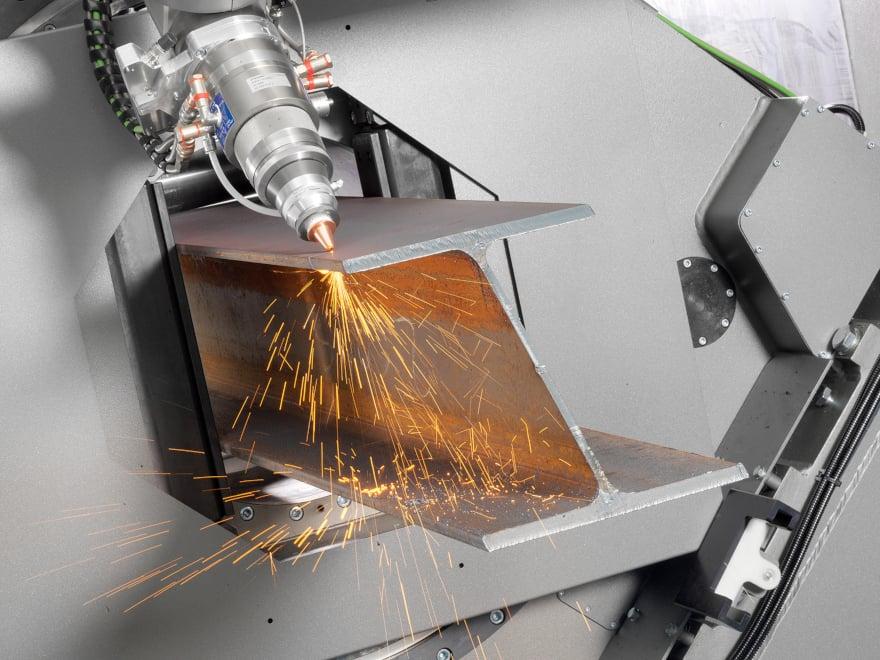 Taglio laser di una trave HEA