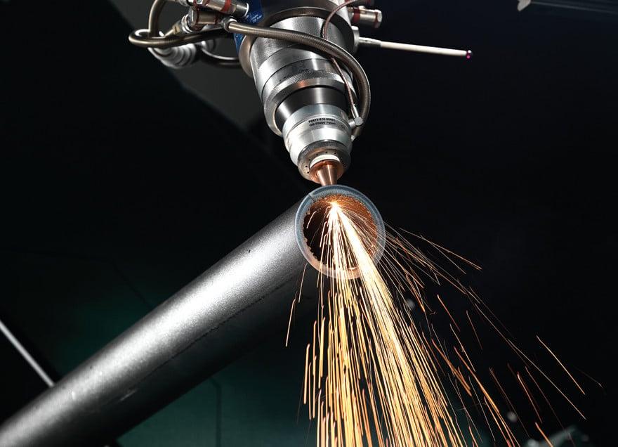 Taglio laser 3D di un tubo di 55 mm di diametro