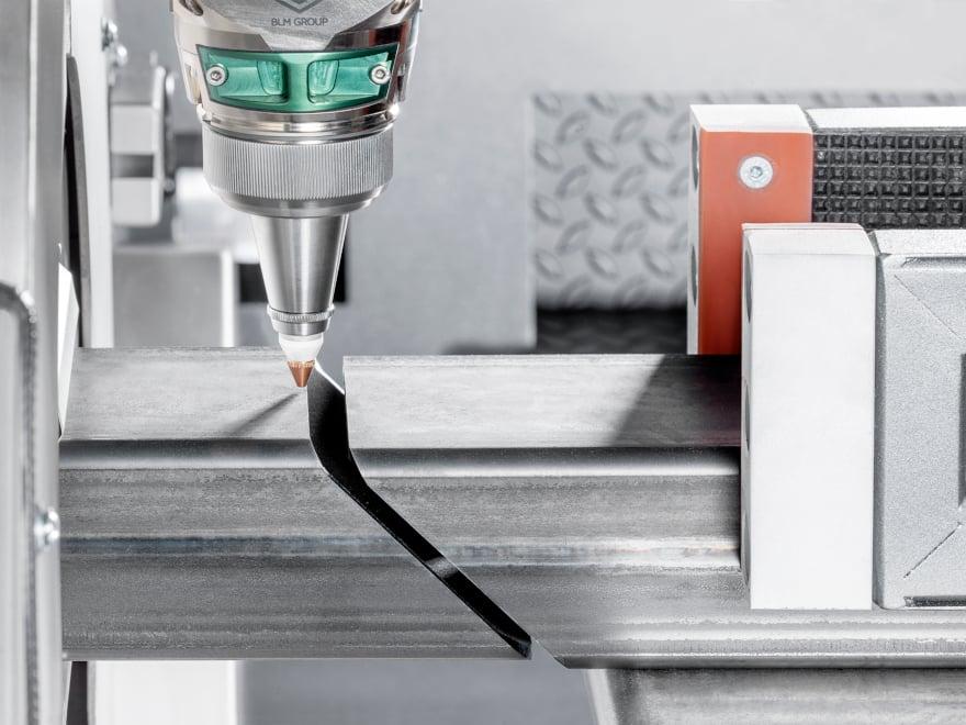 Cutting adjacent parts on laser tube