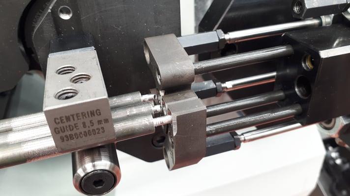Zentrierer für Biegung von gepanzerten Widerständen