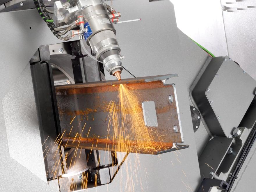 Taglio laser di trave IPE con sistema di taglio laser per tubi e profilati di grandi dimensioni LT14