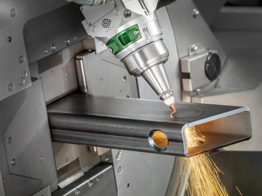 taglio laser tubo di profilo rettangolare